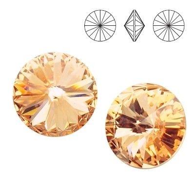 1122 Rivoli SS39 Light Peach F 2pcs  Dimensions: diameter 8,16-8,41 mm Colour: Light Peach F 1 package = 2 pieces