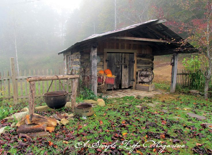 What a GREAT outdoor shed/cooking area!!  I LOVE how primitive and OLD it looks -- SOOOO soothing!!!