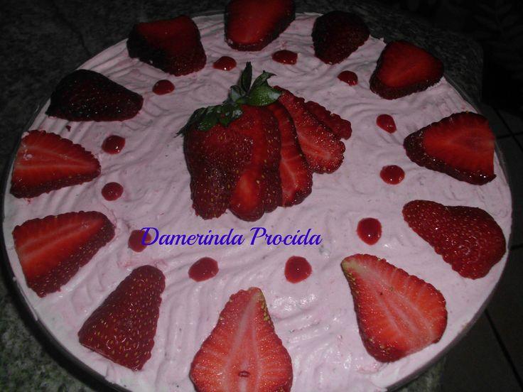 torta fredda alla mousse di fragola