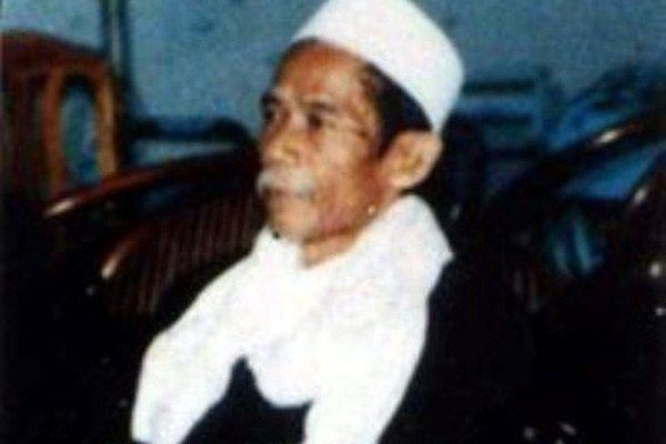 Innalillahi… Ulama Sufi Kharismatik KH Makhtum Hannan Wafat