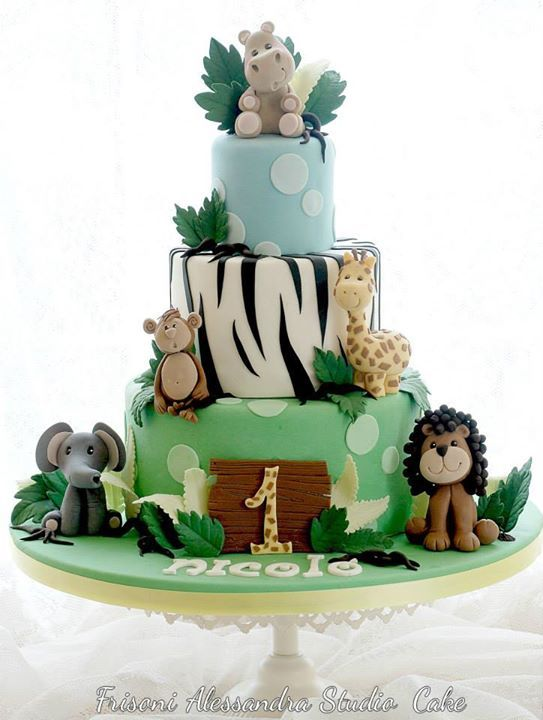 Safari cake - For all your cake decorating supplies, please visit craftcompany.co.uk