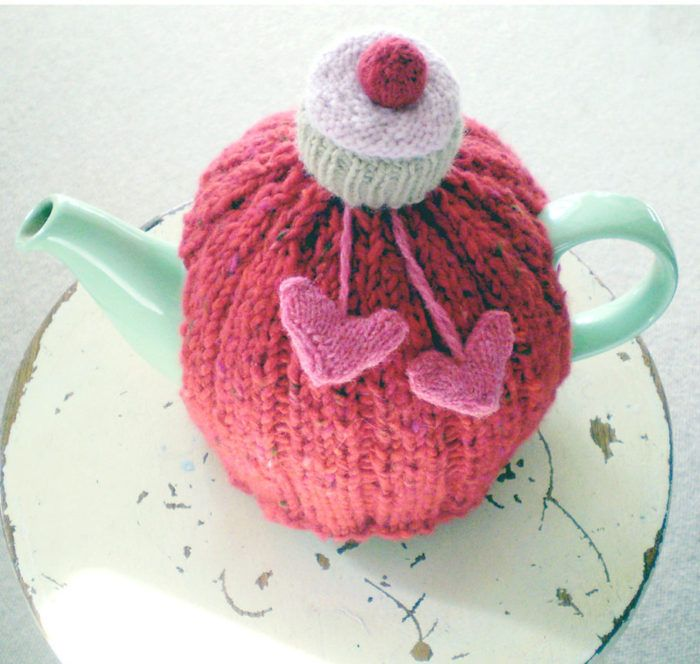 Free Knitting Pattern for 'I love you cupcake' Tea Cozy - The designer says this teapot cover takes one day to knit. Designed byClaire Garland