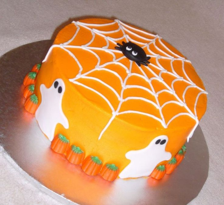 i love how pretty yet simple this cake is i think ill try - Simple Halloween Cake Decorating Ideas