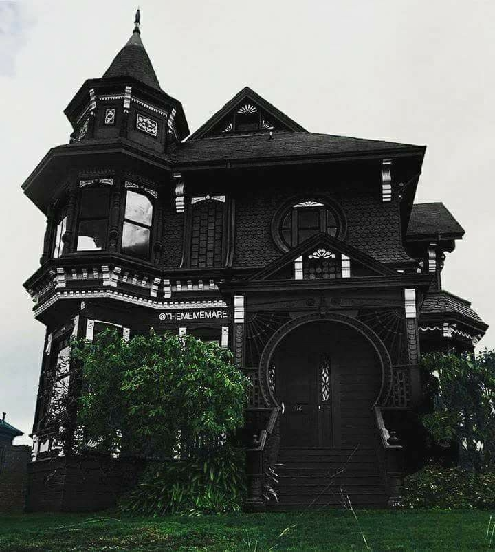 Holy Cow a black house it must be just waiting there for me to move in