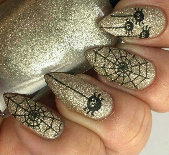 Halloween nails #nailart #nails #gold #halloween #spider #web @JenniferW