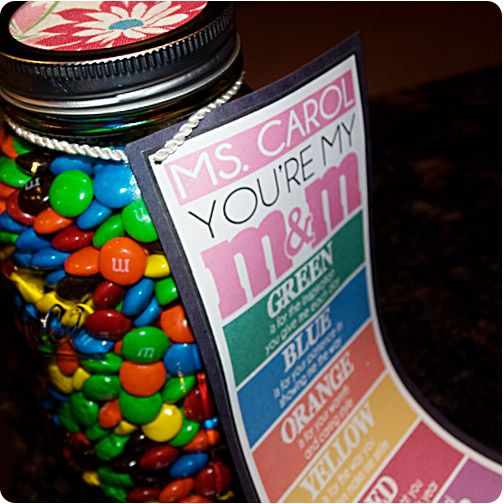A cute little gift for teacher appreciation week! You're my M! #DIY #crafts #candy #teacher