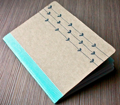 http://bee-inspired.blogspot.com/2012/02/diy-notebook-sketchbook-whatever-i-want.html