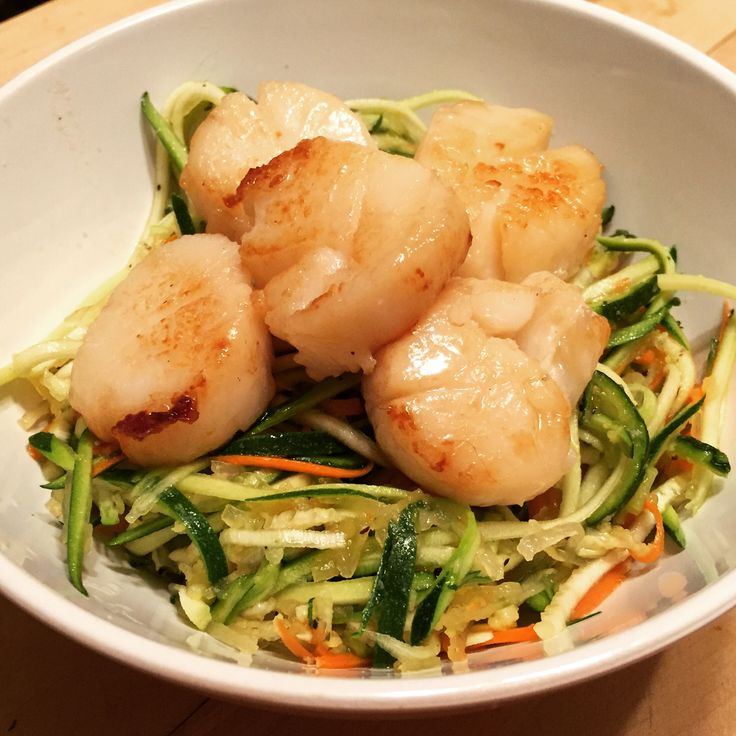 I was first introduced to this recipe by my personal trainer and over the past couple of months I've adapted it slightly to bring that tang of deliciousness that comes to the table with some white balsamic vinegar! Scallops are one of my favorite shellfish and bring back memories of my days in New Zealand … Continue reading Sizzlin Scallops with Citrus Vinaigrette Zoodles {AIP} →