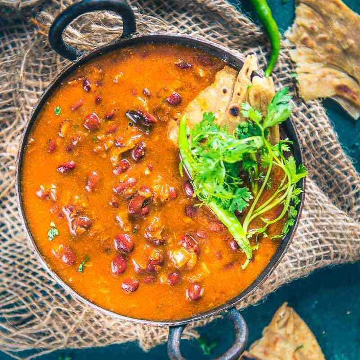 Punjabi Rajma Masala (Red Kidney Beans Curry) is a much loved curry in most Indian Households and it goes very well with rice.