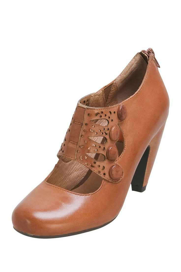 Love these retro mary janes