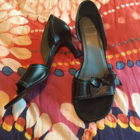 Vagabond shoes ORIGINAL -$40 Reduced! Vagabond shoes bought in Europe for €130 all leather made in Brazil - leather upper leather lining sooo cute. Great with jeans or cute dress Vagabond Shoes