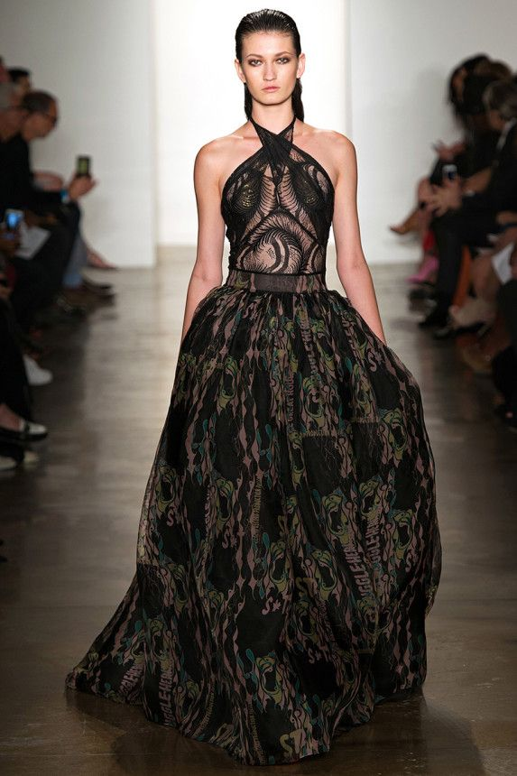 See the Sophie Theallet Spring 2015 collection on Vogue.com.
