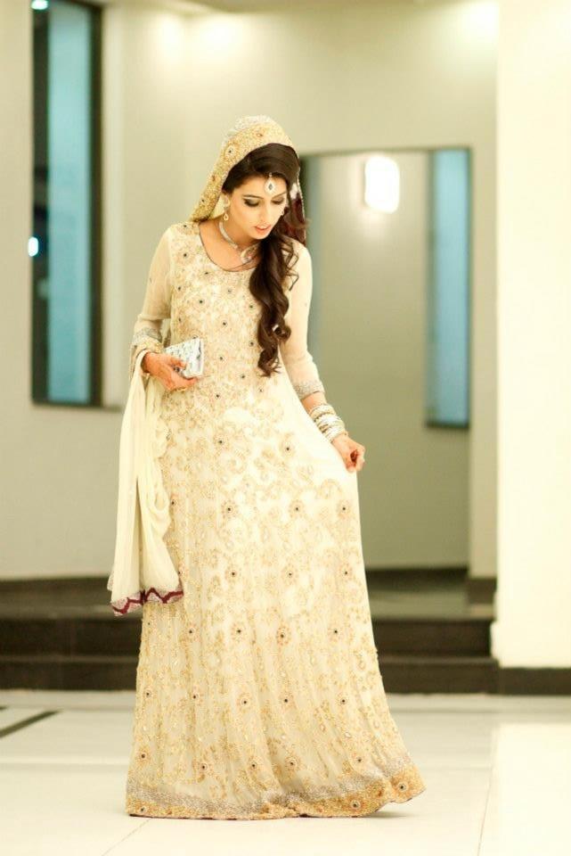 3050a8ce55e pakistani bride