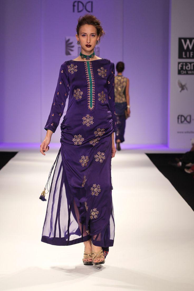 #Nikasha #Fashion #IndianFashion #FashionWeek