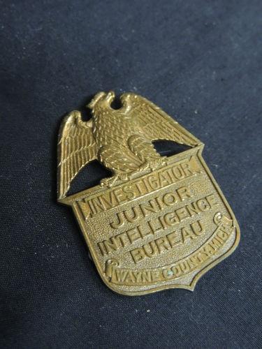 VTG Junior Intelligence Bureau Brass Badge Eagle Investigator MI G-men Detective