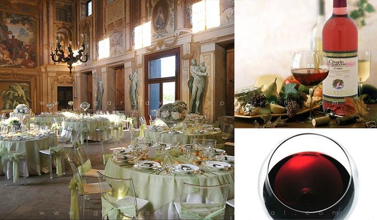 Кейтеринг в Италии - это неповторимое сочетание безупречного стиля, знаменитой итальянской кухни, и высококлассных вин. Разве это не идеальная формула для свадебного банкета?