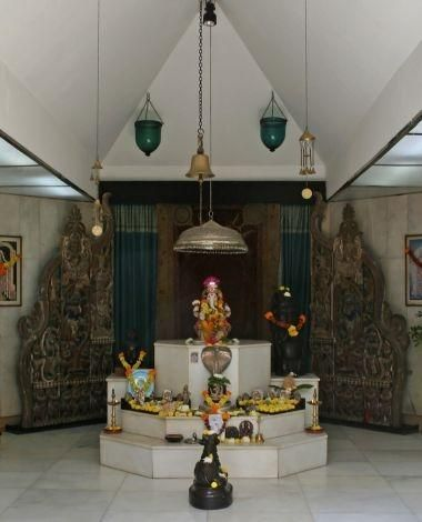 Beautiful Home Temple Design Interior Pictures - Amazing House ...