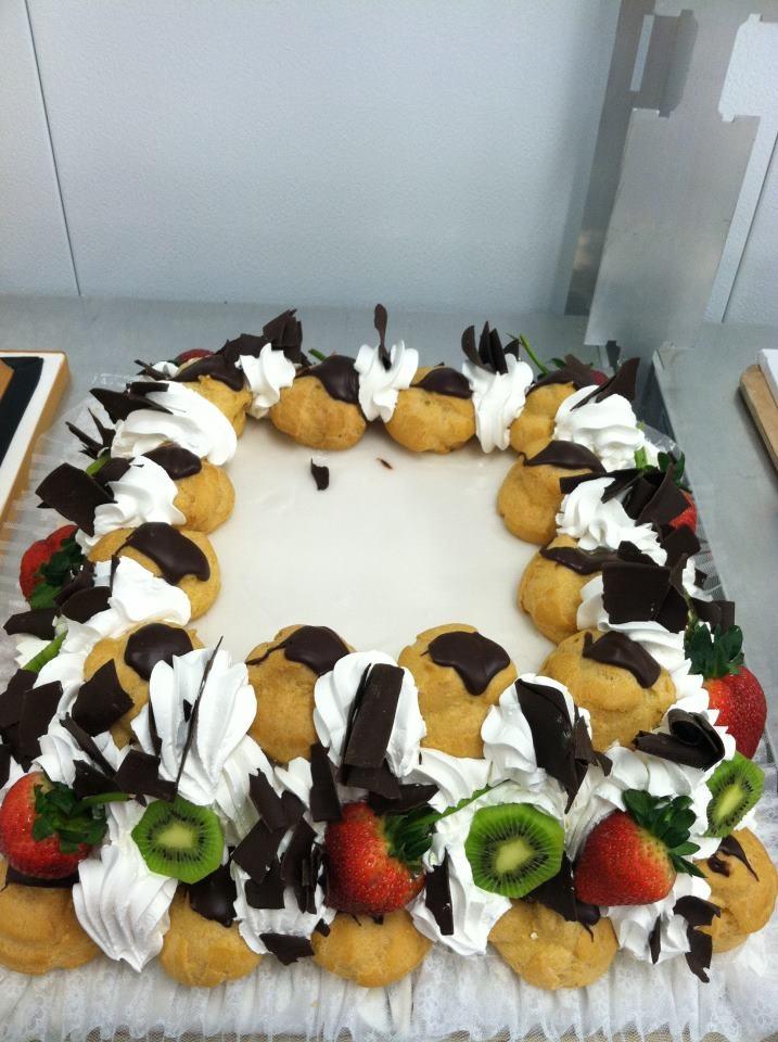 Cream Puff Cake Carlo S Bakery
