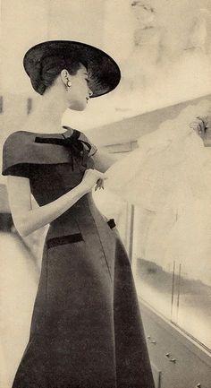 S de Sexy. #MegaPlush // June 1955