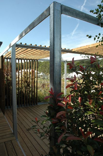 Mix of steel and wood garden inspiration pinterest for Steel and wood pergola