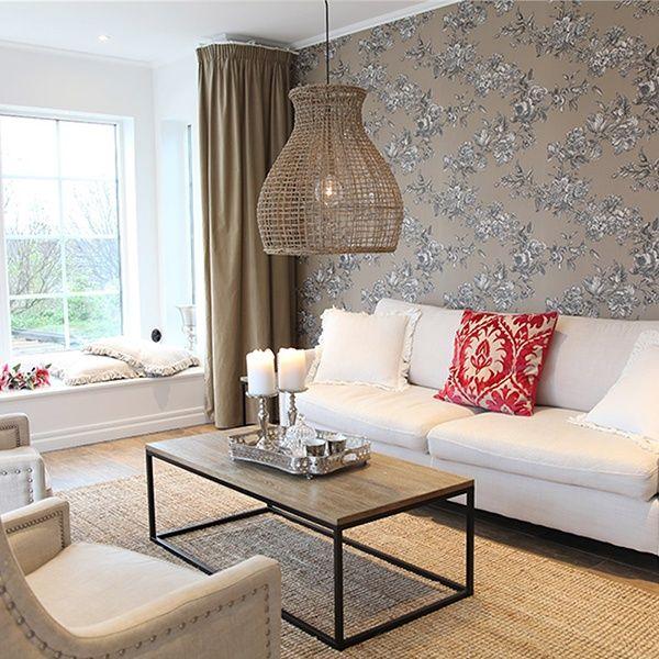 Något för vardagsrummet eller sommarstugan? Taklampan Seagrass från By Rydéns är tillverkad i sjögräs.