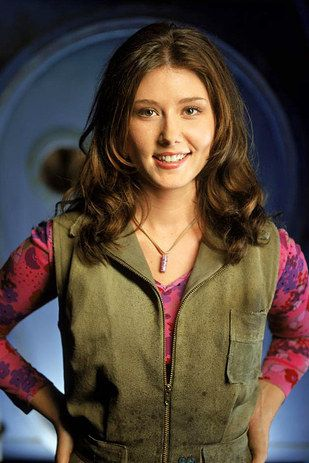 You know Jewel Staite, right? Kaylee from Firefly, Dr. Jennifer Keller from Stargate Atlantis… | Jewel Staite Has The Best Twitter Account Ever