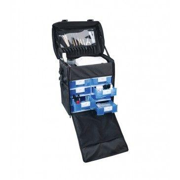 Die Perfekte Lösung für mobile Friseur oder Event Friseure!  Trolley für den sicheren Transport Ihres Kosmetikzubehörs.  Großes Staufach oben für die Unterbringung der UV-Lampe oder der Nagelfräse.  Der Profi Friseurkoffer ORGANIZOR besteht aus:  8 Schubfächer unten für kleine Utensilien. Die zusätzlichen Taschen an den Seiten sind ideal für die Unterbringung von Flaschen.