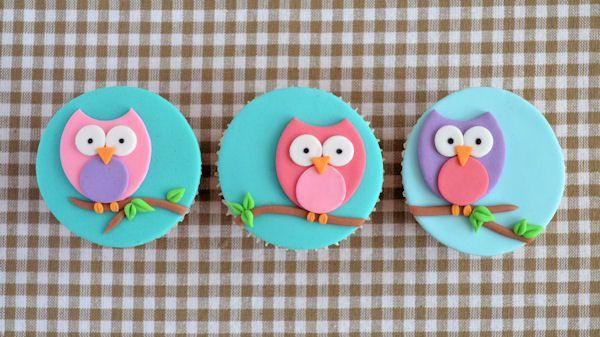 Een duidelijke en eenvoudige how to voor het maken van uil cupcakes.