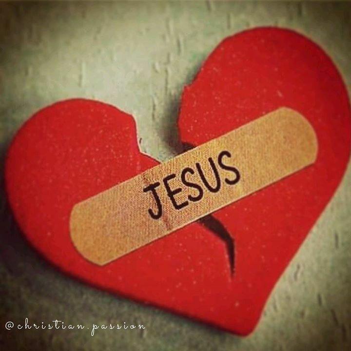 ori cat de frântă ți-ar fi inima,ori cat de trist ai fi,când Îl primești pe El,uiți totul,și te gândești doar la Cer