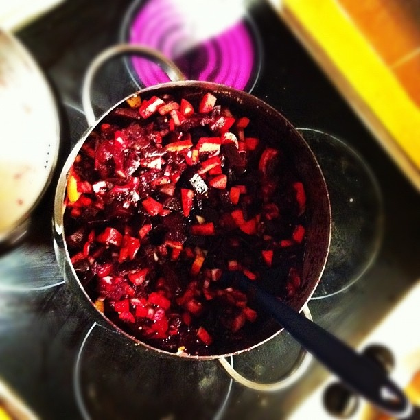 Beetroot Shiraz and Apple Chutney