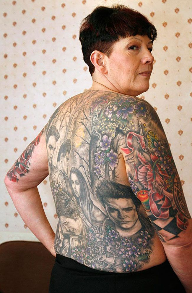 Cathy ward covered her body in twilight tattoos twilight for Twilight jacob tattoo temporary