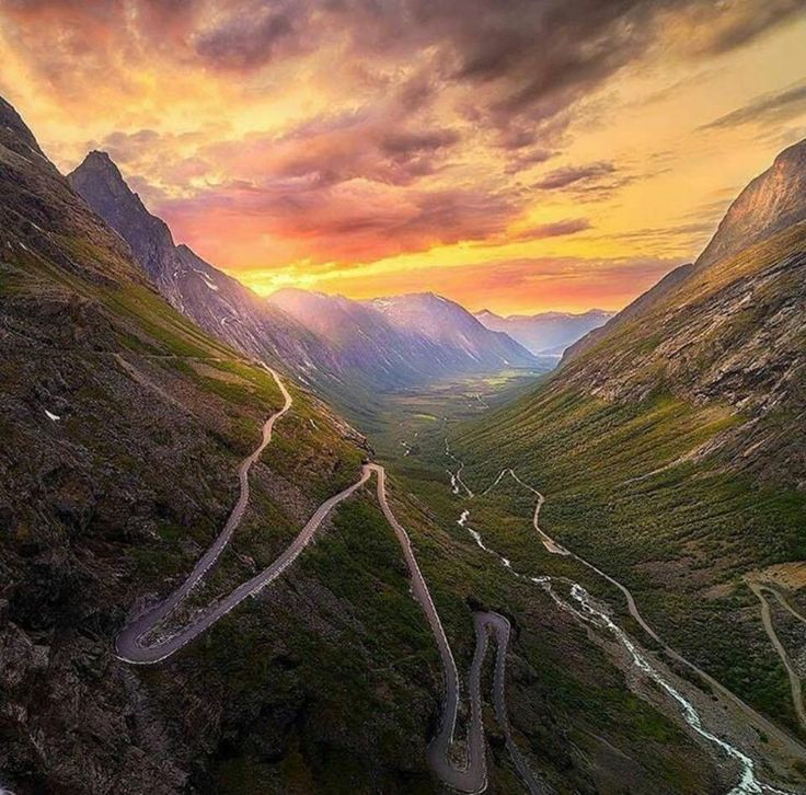 Trollstigen 😍😍😍 #cyclingnorway Average: 4.4 % Length: 18 km 📸: @cristiankirshbom Credit: @ciclismoepico