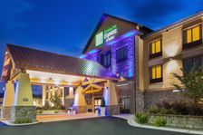 Holiday Inn Express & Suites Helena Hotel in Helena, Montana - Helena Hotels