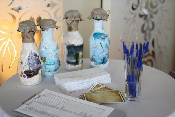 Декупажные бутылки, в которые складывались пожелания гостей