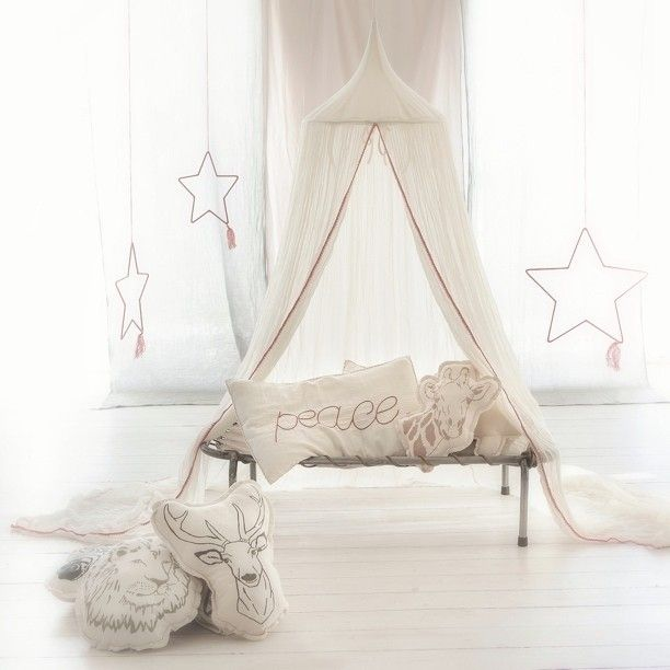 Today we are launching the new canopy from #numero74 . Creamy white, sheer and with a crochet border. This weekend you get a garland from Numero 74 ( worth 149 sek ) if you buy this new canopy! Happy friday! #mokkasin