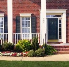 How to Decorate the Front Porch on Colonial Homes   By Amy Mosher [click photo]