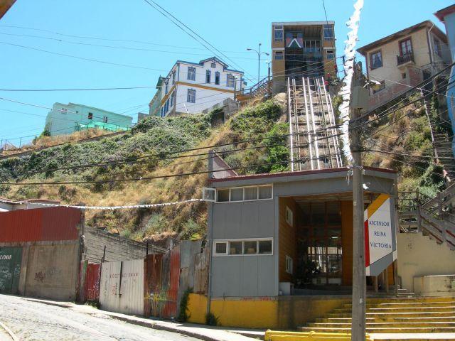 ascensor reina victoria valparaiso - Buscar con Google