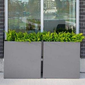 Divider Series is a really nice example of a modern outdoor planter. #planters #modernplanters