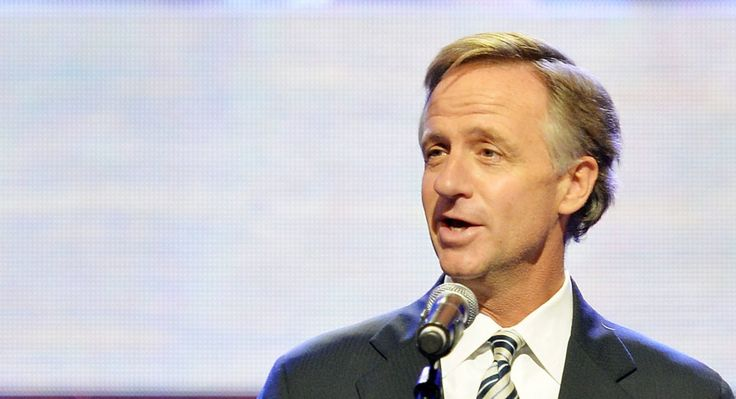NASHVILLE, TN - MAY 02:  (EXCLUSIVE COVERAGE) Tennessee governor Bill Haslam…