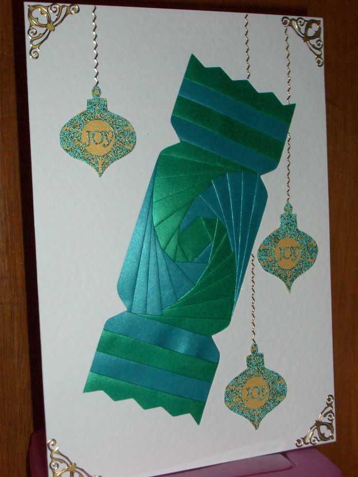 Christmas Cracker Card - Card Blank & paper from Dee Craft, embellishments from my own stash.