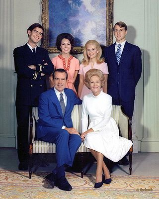 1972: Family portrait of Patricia and Richard Nixon. In the back are the Nixon daughters Julie and Tricia standing next to their spouses David Eisenhower and Edward F. Cox.