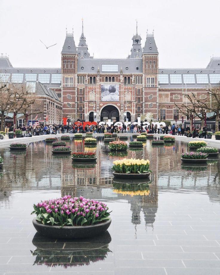 Molto probabilmente ti sei effettivamente reso conto del quartiere a luci rosse di Amsterdam …