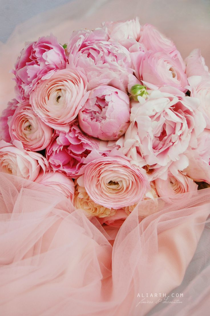 Pink bridal bouquet https://www.facebook.com/aliarth.page/