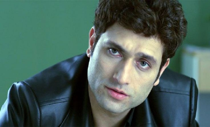 Here in this article you will known some interesting facts about Shiney Ahuja Height, Weight, Age, Affairs, upcoming movies, biography and net worth.