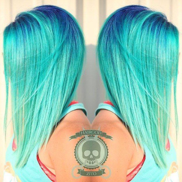 Raíces azul marino | 21 Colores atrevidos que te inspirarán a teñirte el cabello…