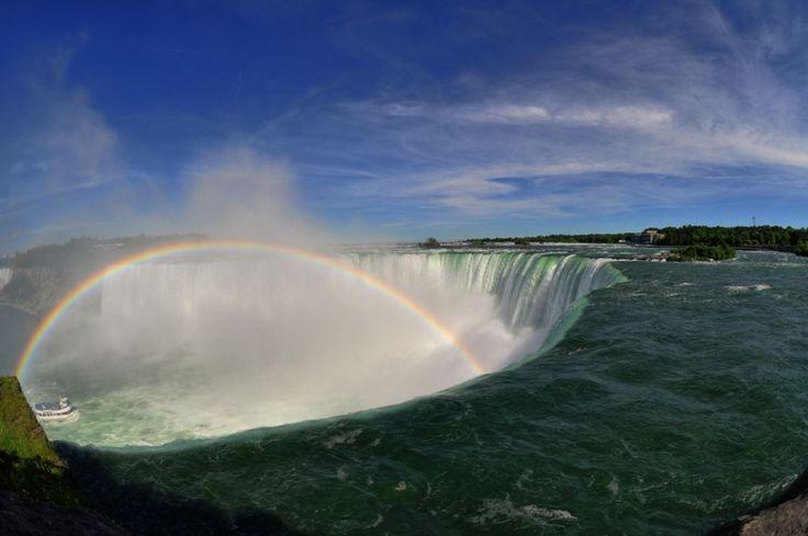 Amazing PlacesNiagara Falls, Canada