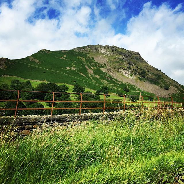 Pretty #england! .  #travel #unitedkingdom #northwest #mountain #landscape #nature #landscapelovers #mountainview #green #tallwifetravels #wanderlust #traveler