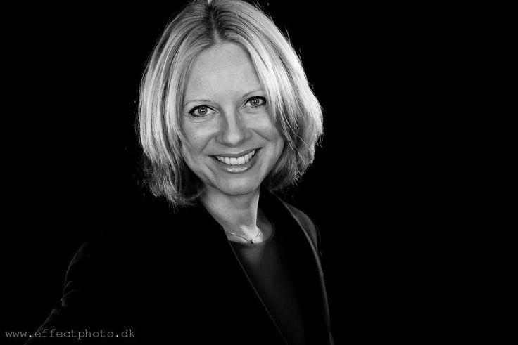 #Businessportrait - Black & White - Charlotte Møller-Andersen by EffectPhoto