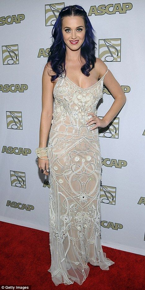 Katie Perry   Love the dress!