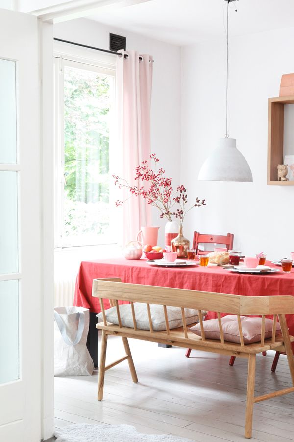 A LOVELY DUTCH HOME WITH TOUCHES OF RED